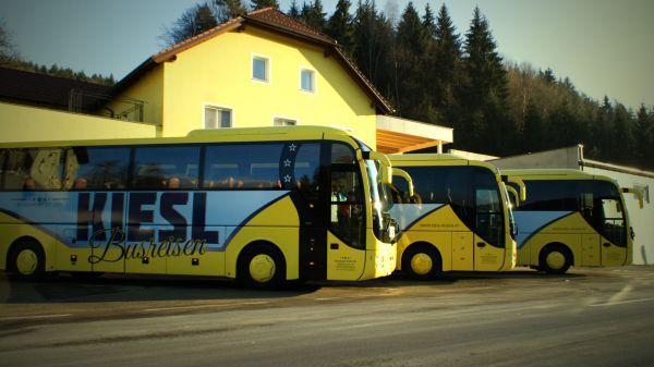 busreisen-kiesl-logo-2016-dsc00221-fciiso150-192004057B24-3C0C-499C-AF92-A437698DCCA4.jpg
