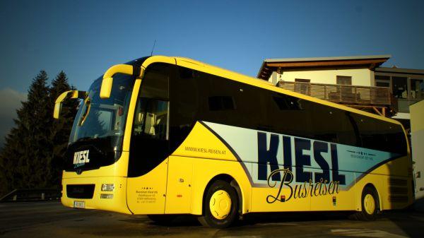 busreisen-kiesl-logo-2016-dsc00253-fciiso150-19204537D54A-DBA5-C1D4-3B99-6199412774F3.jpg